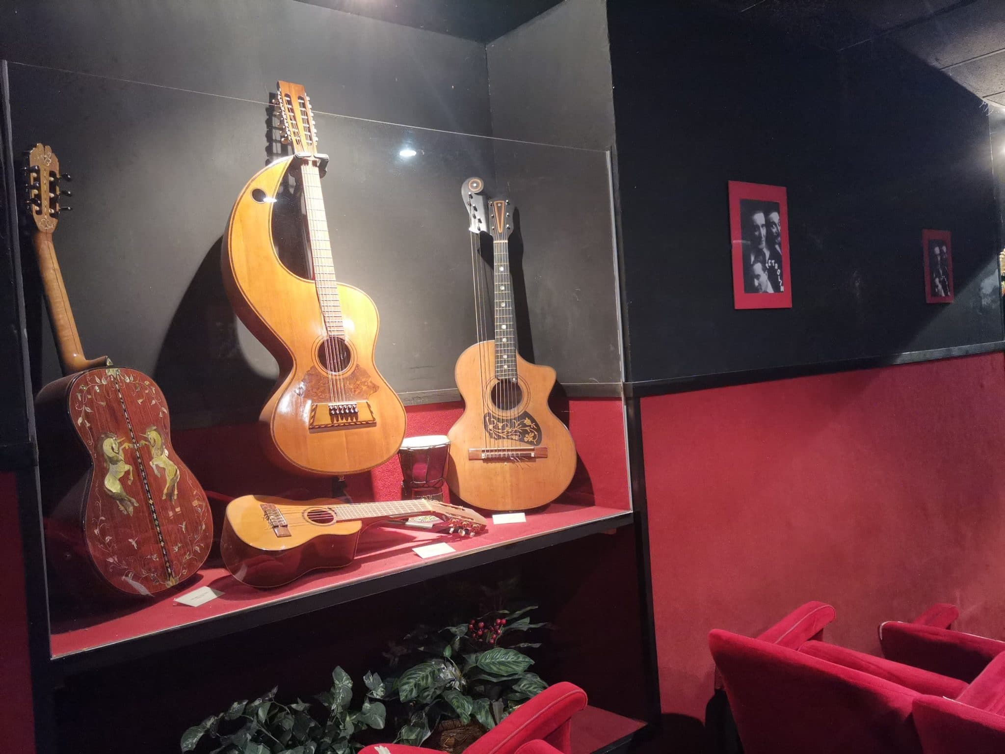 sala petrolini chitarre - Teatro Petrolini Roma
